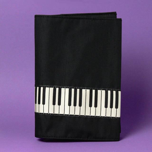 ブックカバー 鍵盤織リボン ピアノ 音楽雑貨